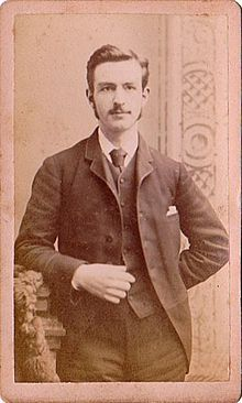J Thomas Looney Born Into A Humble Background Was School Teacher In The Not Very Stylish And Remote Highly Unfashionable Town Of Gateshead